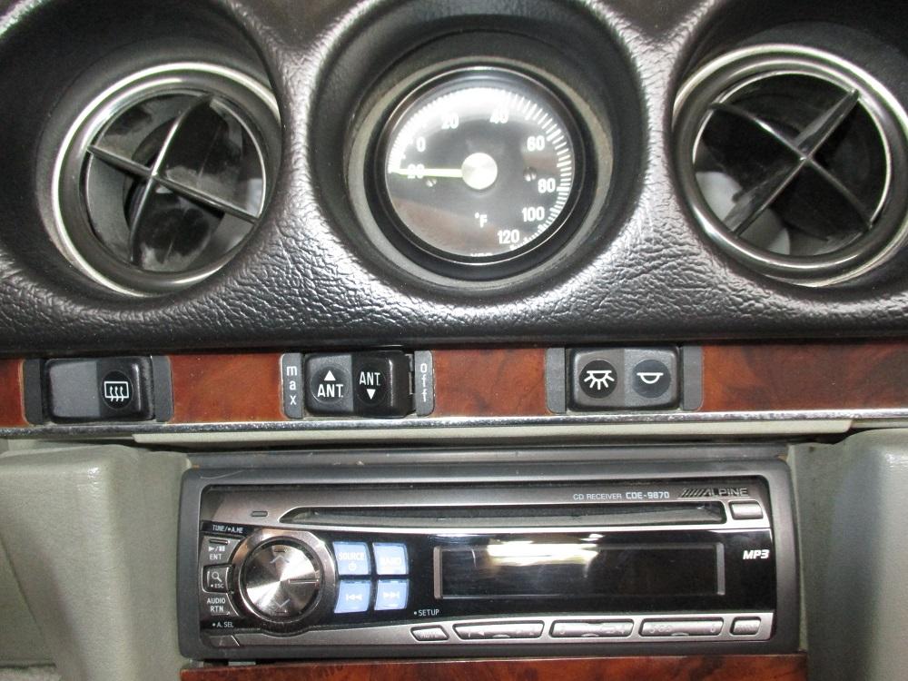 86 Mercedes 560SL 023.JPG