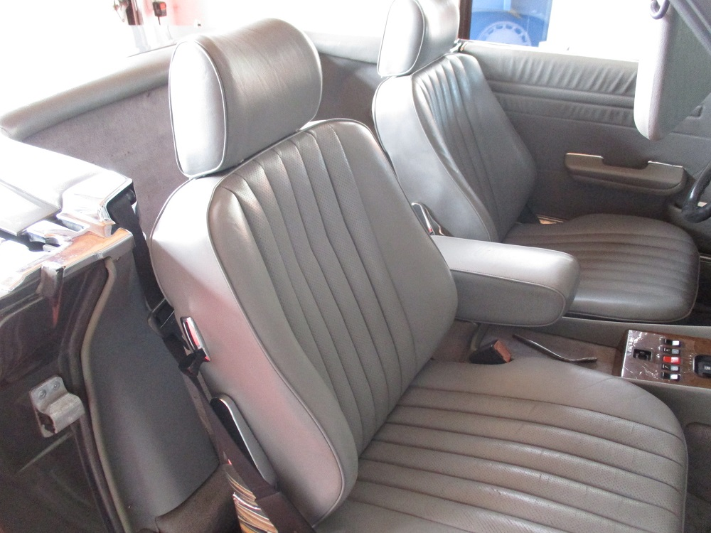 86 Mercedes 560SL 026.JPG