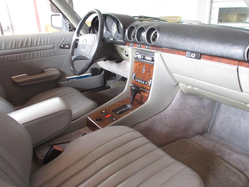 86 Mercedes 560SL 027.JPG