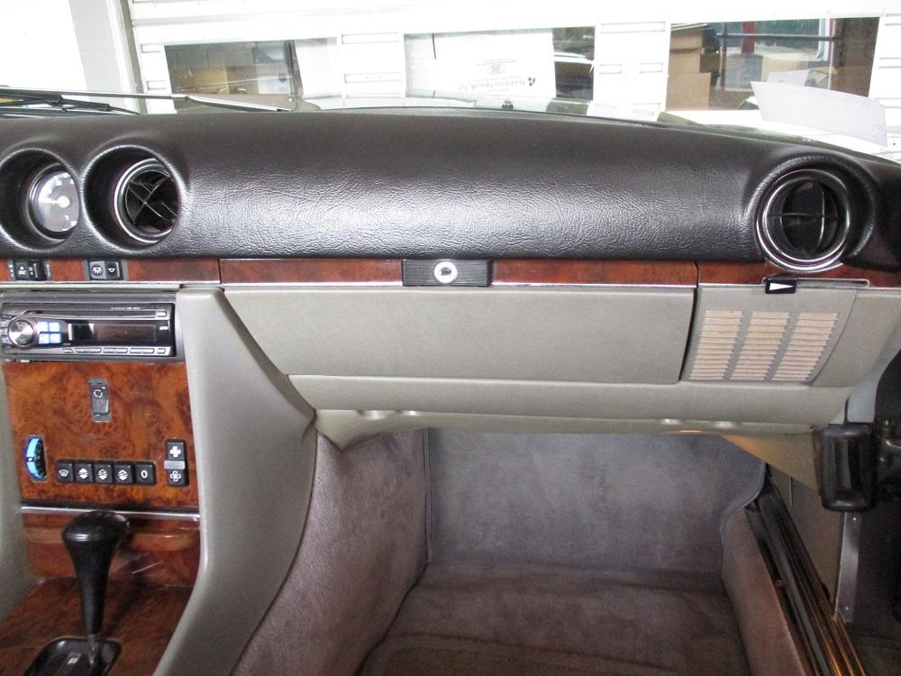 86 Mercedes 560SL 028.JPG
