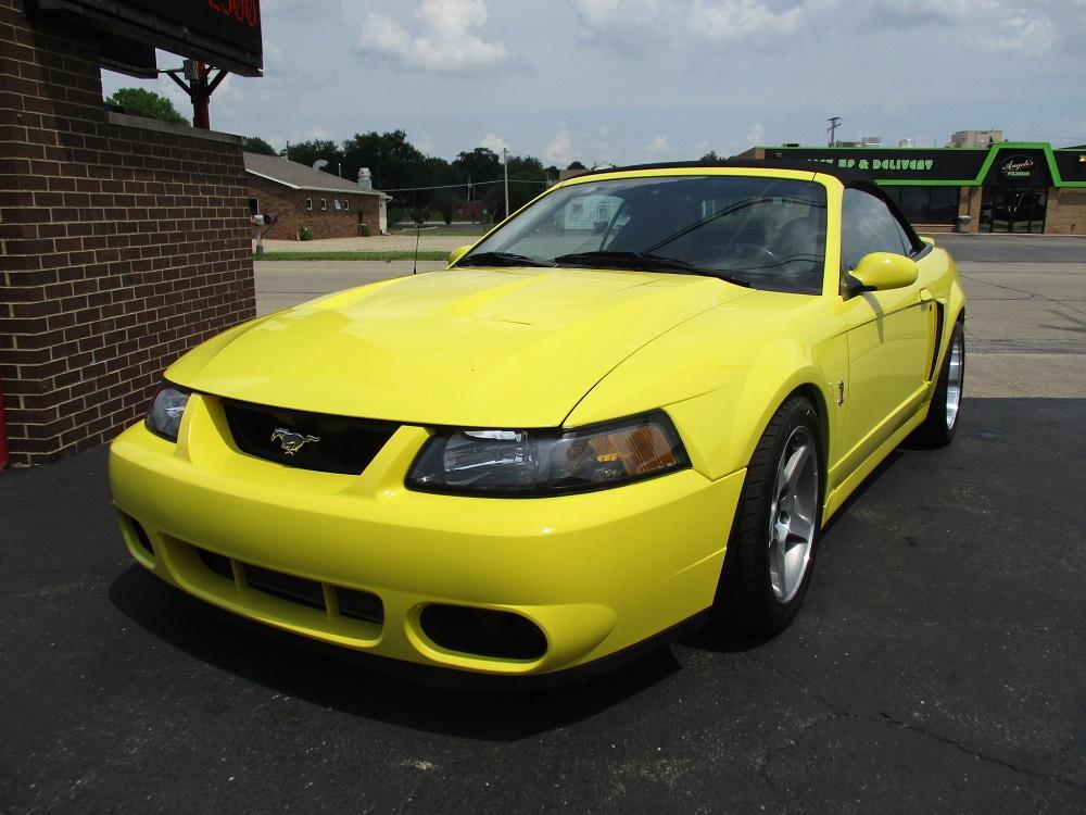 03 Mustang SVT 044a.JPG