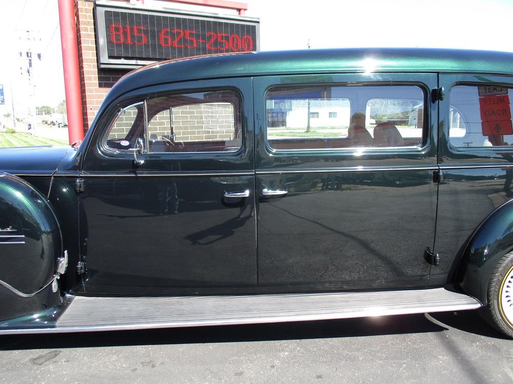 40 Packard Hearse 029.JPG