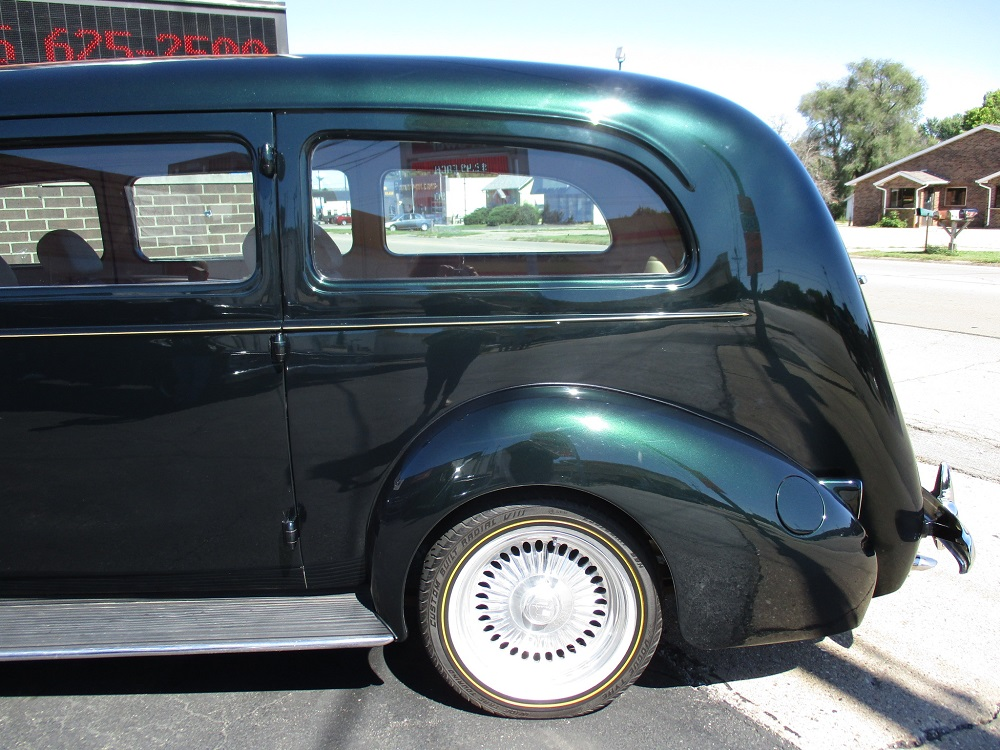 40 Packard Hearse 030.JPG
