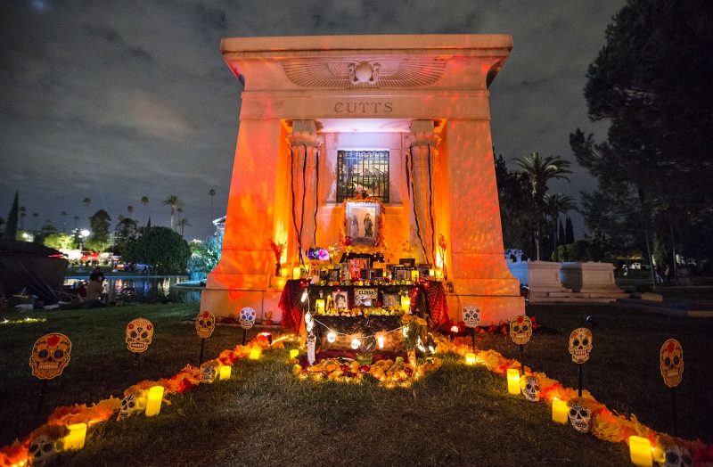Hollywood Forever Cemetery - Find out more about this spectacular event that's now been going on for 18 years!