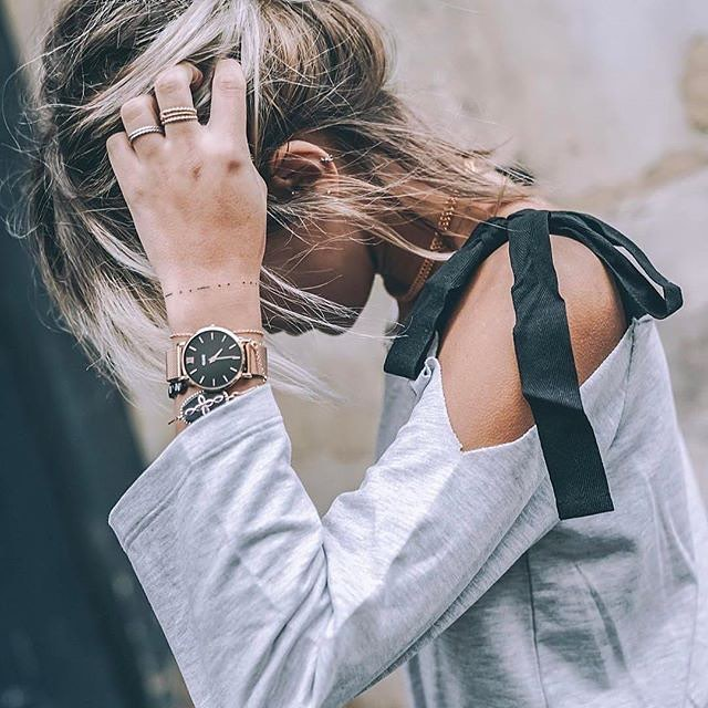 A great timepiece will never go unnoticed. Grab this one from @Cluse by clicking on the link in our bio ☝🏽! . . . . #gift #gifts #giftideas #giftidea #giftinspiration #giftshop #giftsforher #giftsforhim #uniquegiftideas #uniquegift #giftforme #giftforher #giftformom #giftguide #fahion #womensfashion #accessories #fashionistas #fashionkilla #fashionista #fashionkillas #watch #watches #timepieces 📷:@noholita