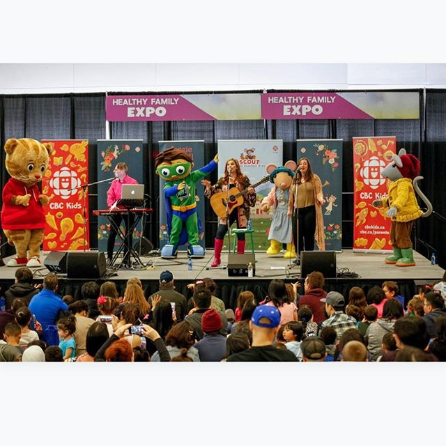 We all had so much fun up there! 🎉🎉Thank you @gumbootkids  @imagine_create_media @healthyfamilyexpo & thanks to my wonderful band members @britt_ayton and Allan Rodgers. And all the popular characters Scout Daisy Daniel tiger and Superwhy dancing and connecting with the audience! I can't wait to get touring. And thank you to everyone who came and who is asking about more live shows!!! ❤️🎤👍#sparkleandshine💎👑✨ #chirpchirphappy🐣 #takemeoutside