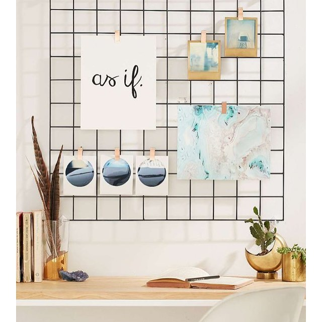 Desk inspiration from @urbanoutfitters is on point. #deskinspo