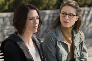 "Chan, Robert. ""'Supergirl' Recap: Alex Comes Out, Kara Gets Knocked Out."" Yahoo! TV, Yahoo!, 15 Nov. 2016."