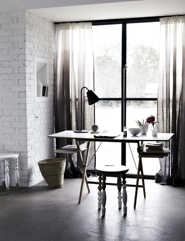 bureau_minimaliste_noir_et_blanc03