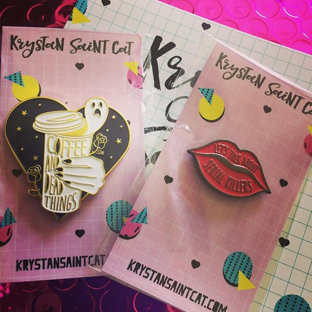 Recommendation Monday - look at these amazing pins from @krystansaintcat! Perfect, don't you think? All her stuff is fantastic! Go check her out! #coffeeanddeadthings #letstalkaboutserialkillers #krystansaintcat #thosepinsthough #pinlife #notanad #recommendationmonday #creepyiscool #creepyislife #podcastlifestyle