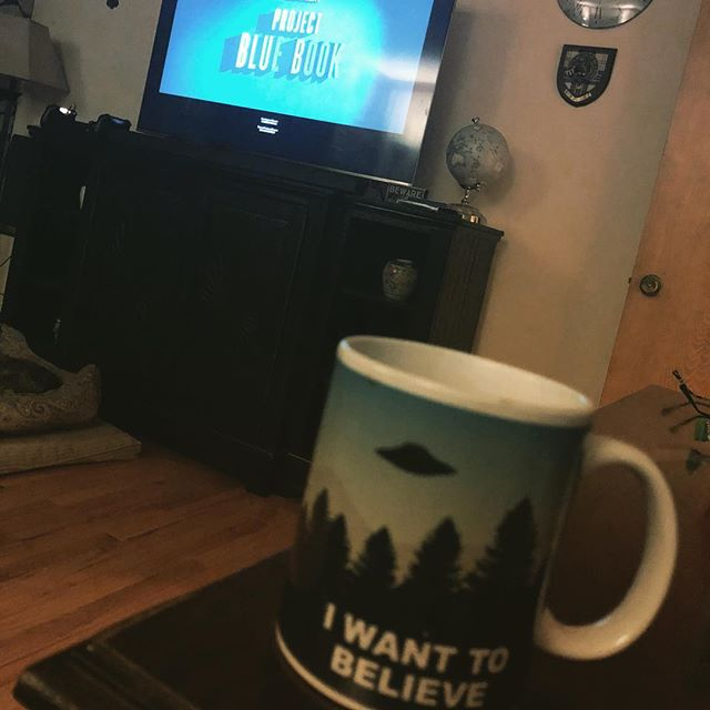 Anyone else watching Project Blue Book? Loving it so far. Makes me nostalgic for X-Files. I excited to see where it goes! #projectbluebook #historytv #recommendation #xfiles #flatwoodsmonster #fullerdogfight #lubbocklights #ufos #conspiracies #aliens