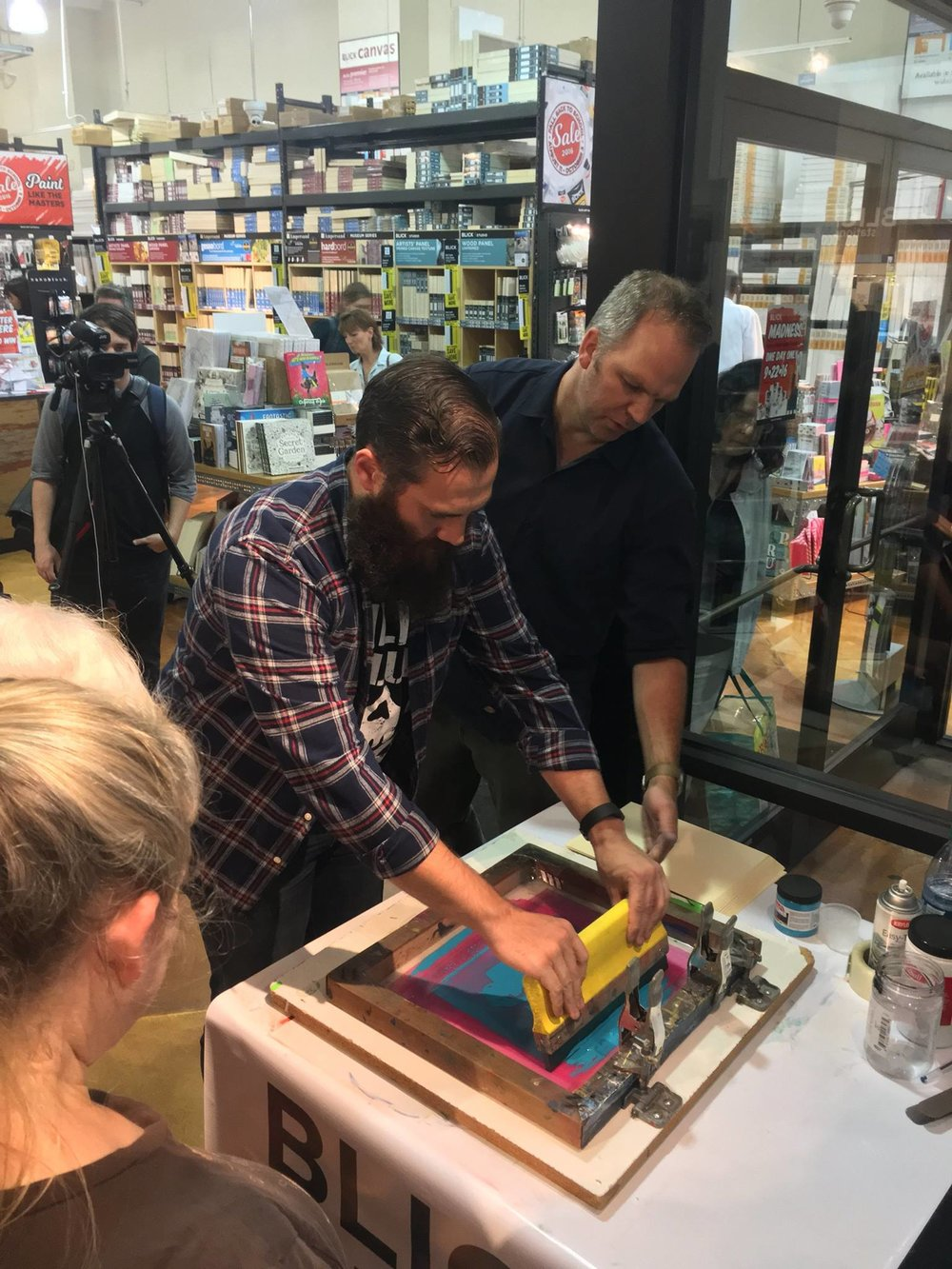 Chicago artist Jay Ryan teaches silk screening