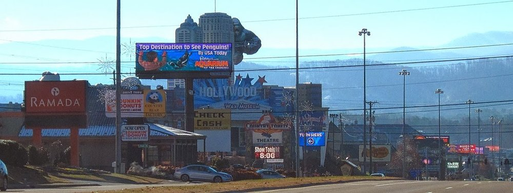 Sevierville's cacophony of neon signs, profoundly out of sync with the quiet, natural beauty of the Great Smoky Mountains in the background, helped inspire a generation of activists. http://garysoutdoorwanderings2.blogspot.com/