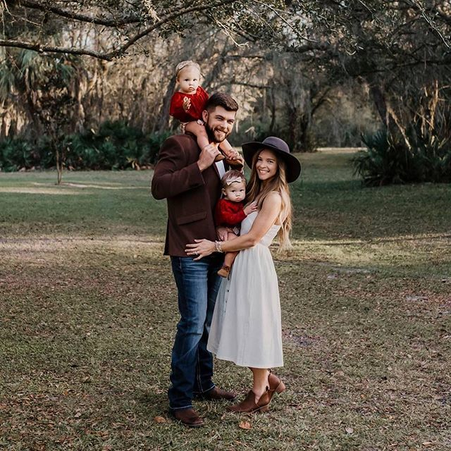 Thank God for family, faith, and moments like this. May we slow down and cherish these days.🍃✨ 📷 @kandicestoryphotography  #woodsandweddings #floridaoutdoorvenue #familyphotoshoot