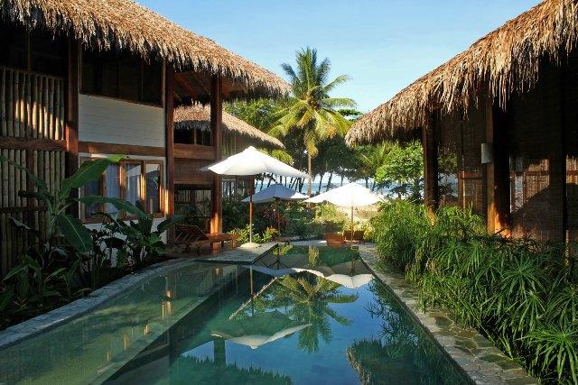 beach_front_hotel_santa_teresa01.JPG