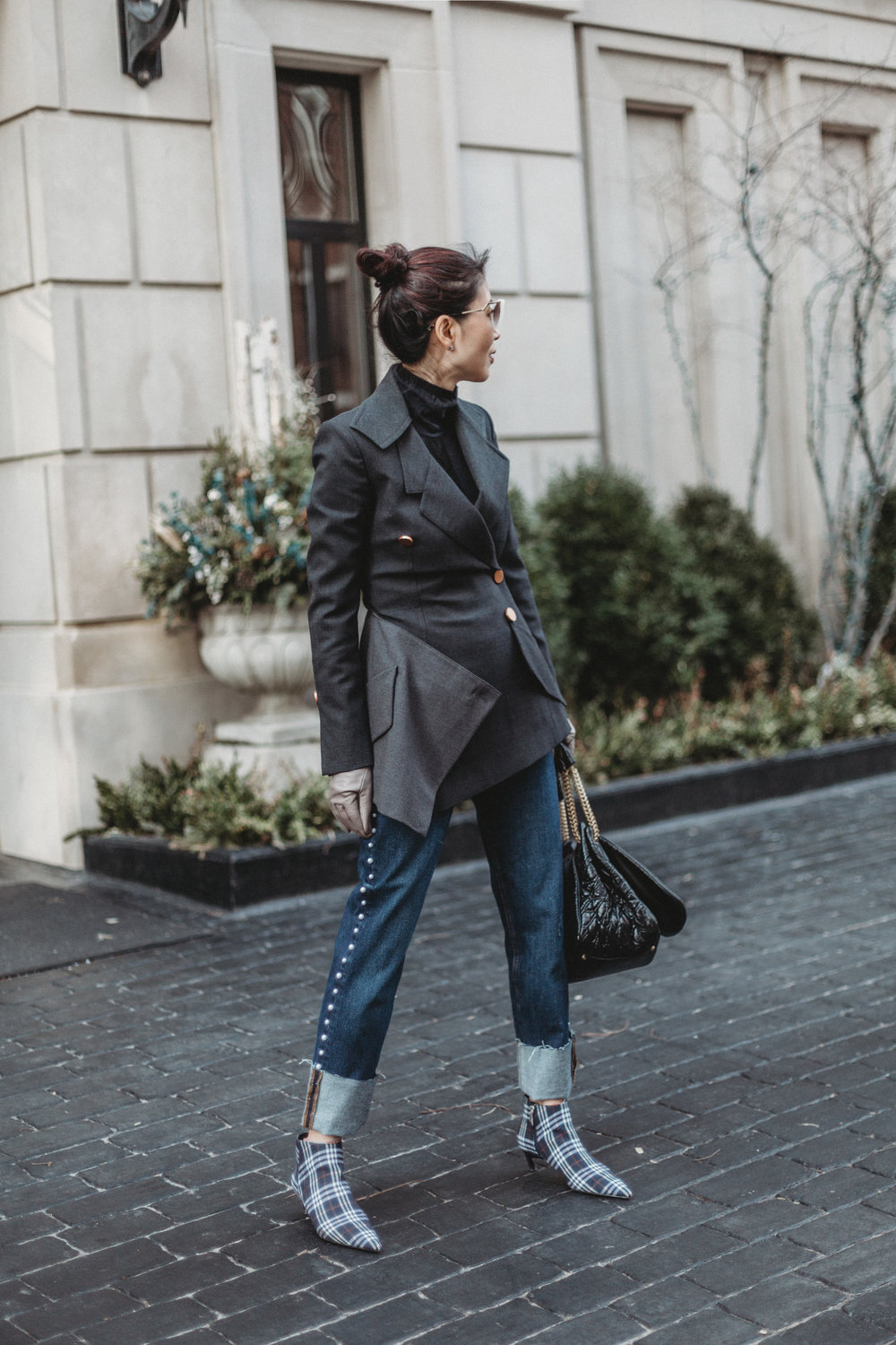 I am wearing: Proenza Schouler blazer, Maxmara flare pants, Fendi Cat-eye Sunglasses, Valentino Rockstud tote, Portolano Leather Gloves  Shop My Look And Similar Items Here://