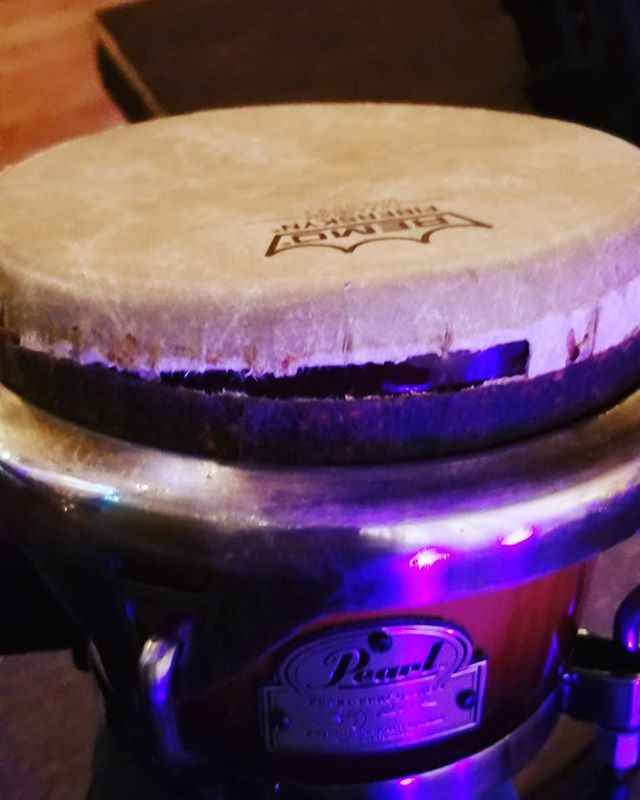 That moment in between a gig... you solo... and boom... 😭😭 #remo #bongo #brokenhead #pearl_drums #inmyelement #worldmusic #percussionproblems #percussionist