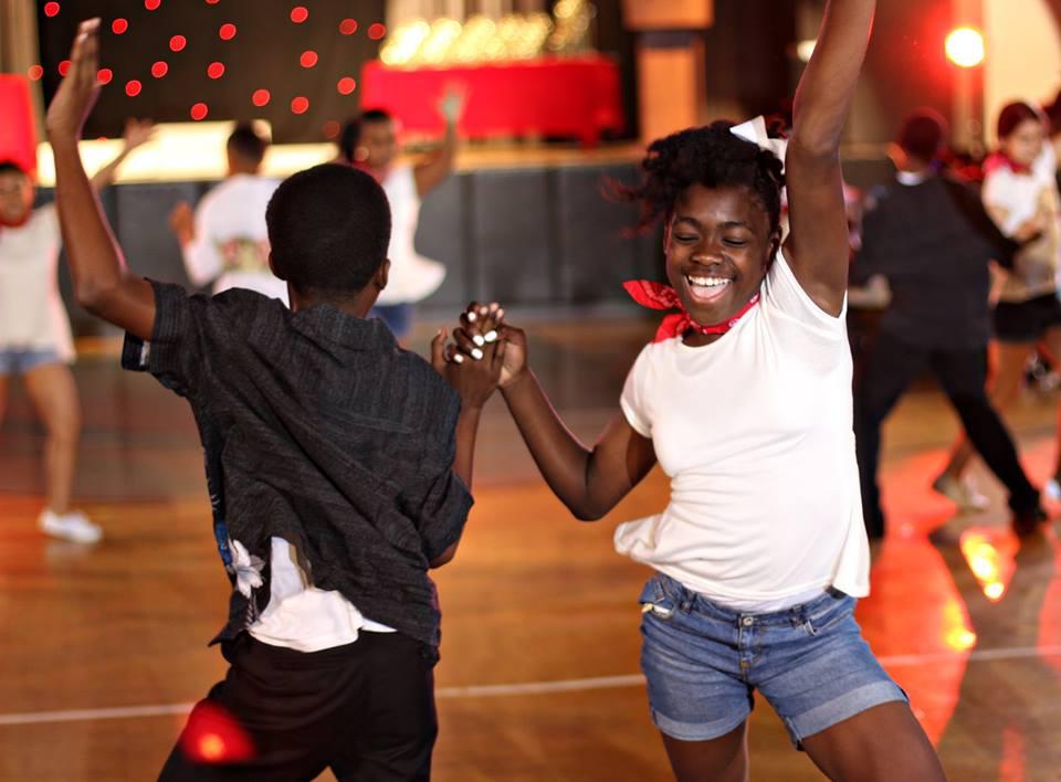 kids dancing2.jpg