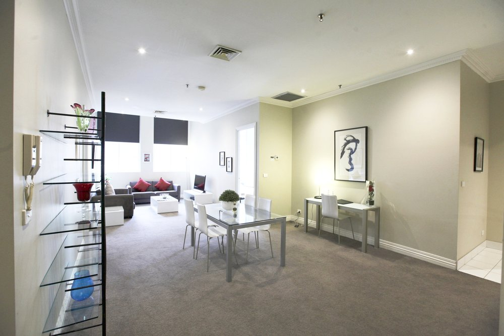 Cav lounge 1.jpg