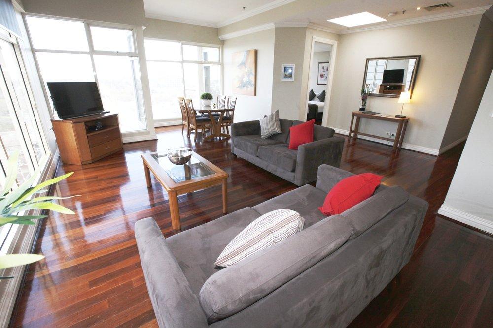 10b lounge 3.jpg