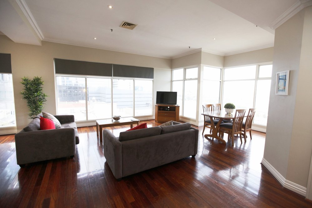 10b lounge 2.jpg