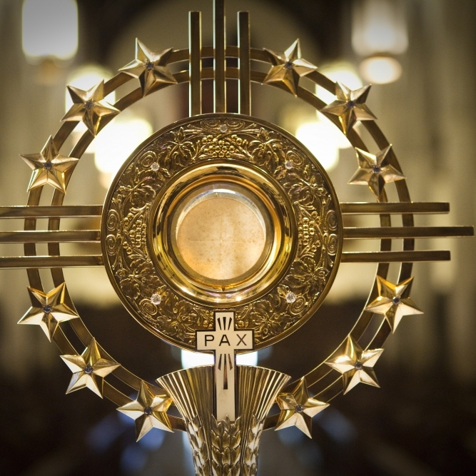 Monstrance for adoration.jpg