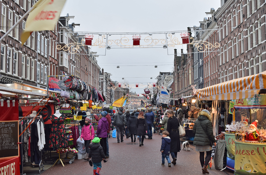 From delicious Dutch desserts to the Rijksmuseum, Christmas markets, trendy neighbourhoods and fantastic vegetarian and vegan cafés, there is a lot to see and eat in the Netherlands' capital city. Here are 8+ tips to make your stay in Amsterdam extra amazing.