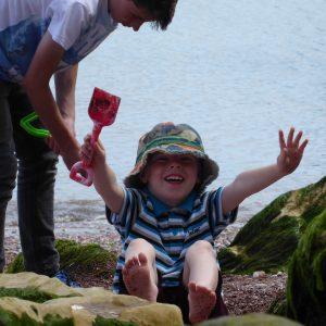 BOYS DIGGING BEACH | samanthageddes.com