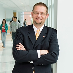 R. Aubrey Kent - Panel Moderator Associate Professor, Sport Management, Temple UniversityDirector, Sport Industry Research Center / Institute for Sport and Social Responsibility Past-President, North American Society for Sport Management