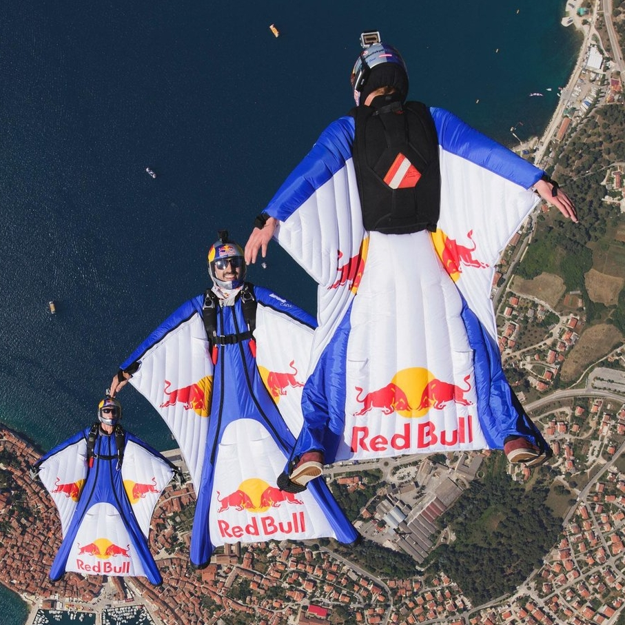 REDBULL - Humans Can Fly
