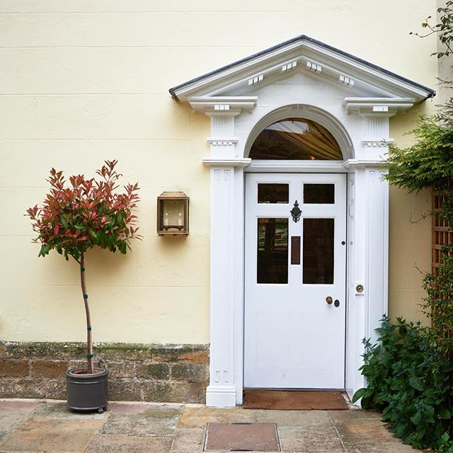 The entrance to Ryde House, a 3 bedroom property in the centre of #Petworthuk #holiday #visitsussex #visitengland