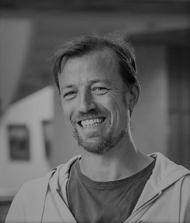 ØYVIND LIER    CTO   18 years of experience in the renewable energy sector and has been involved in solar since 2008, when he studied for an MBA in Energy management.