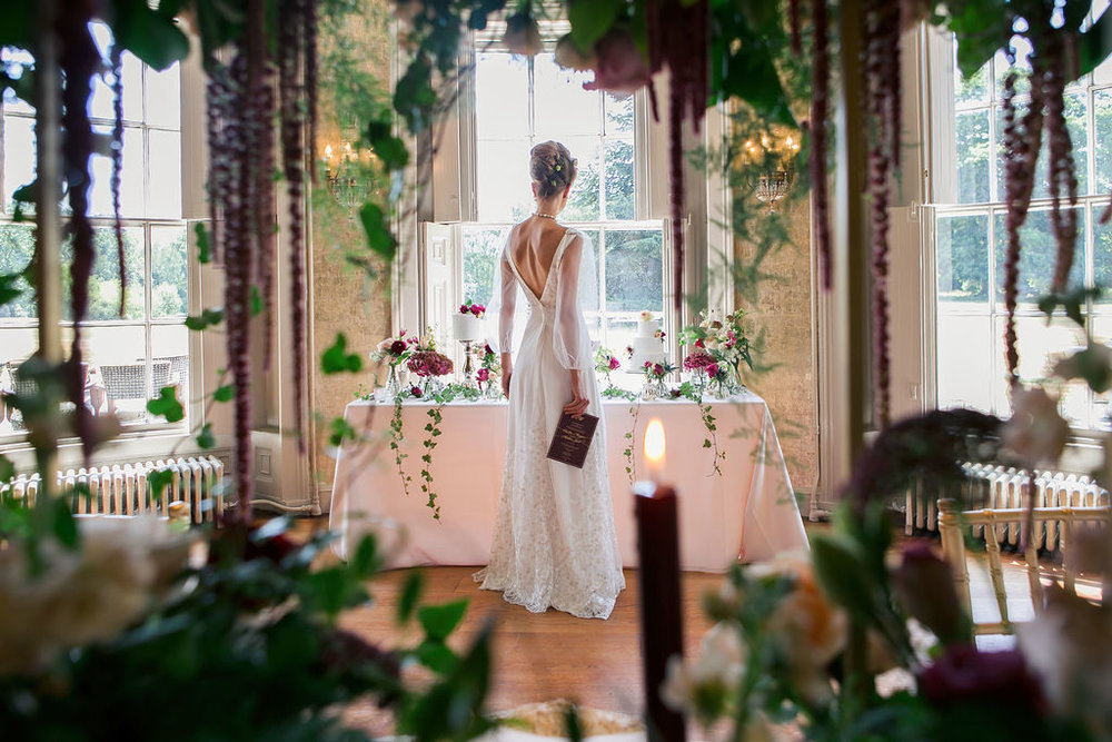 folkington_manor_claret_dappled_wedding_invite_stationery_monogram_gold_foil_wax_seal_03.jpg