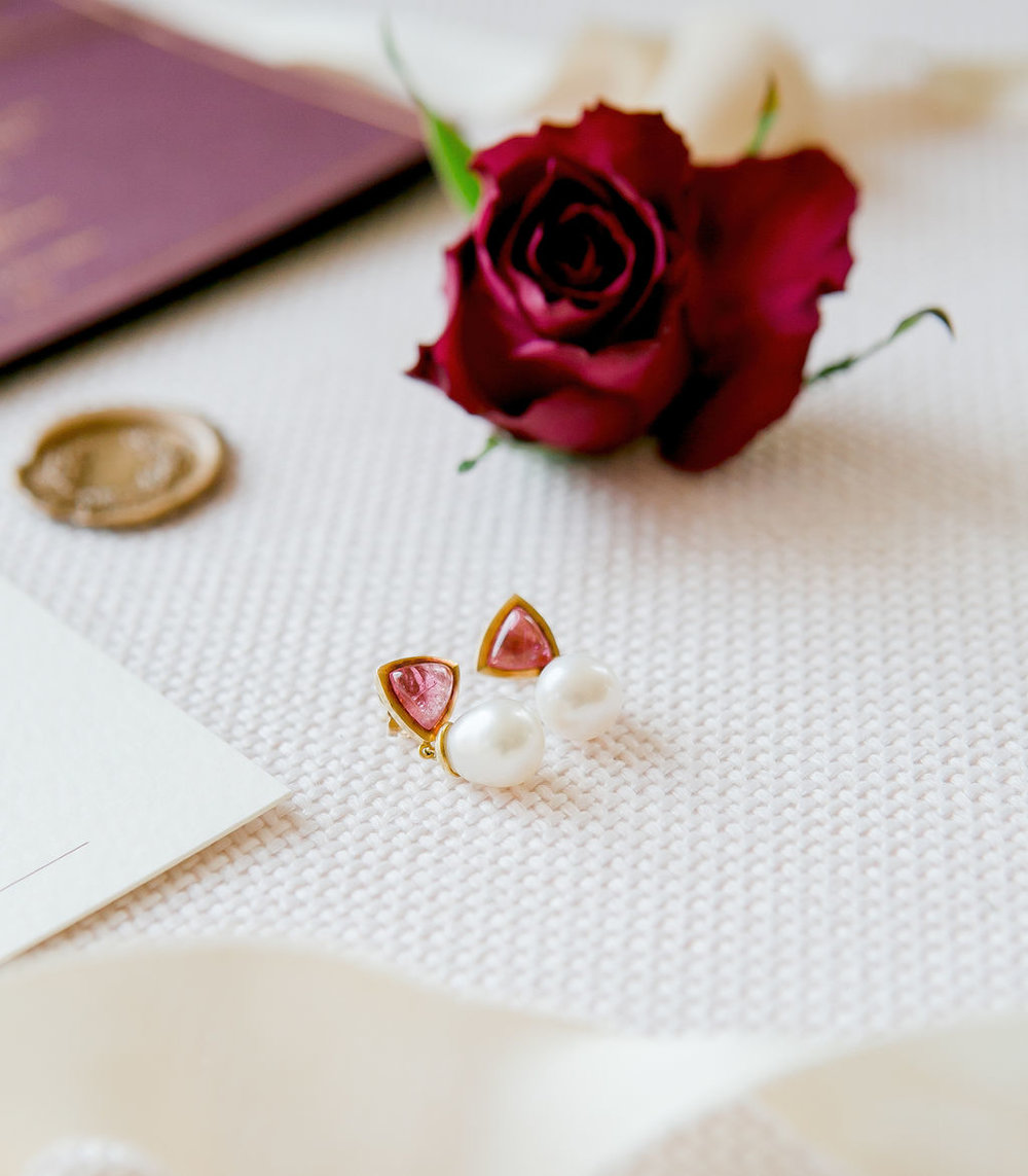 folkington_manor_claret_dappled_wedding_invite_stationery_monogram_gold_foil_wax_seal_09.jpg