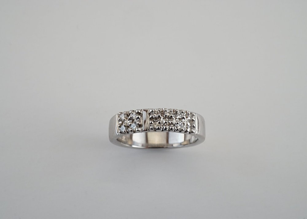 Symbolic wedding ring