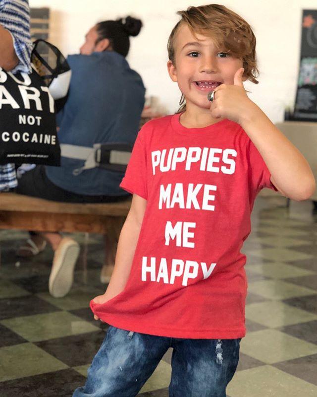 🐾😃 Another happy customer at @miamiflea! . . . #wagboss #wagbossmiami #wagbossmiamishop #handmade #bandana #pitsofinstagram #pitbullsofinstagram #staffordshirebullterrier #muttsofinstagram #frenchiesofinstagram #staffygram #doodlesofinstagram #yorkiesofinstagram #australianshepherd #pugsofinstagram #dogsofmiami #dogblog #dogblogger #dogmom #dogmomaf #dogfriendlymiami #miamilife #miami #dogsofig #dogsofinstagram #doglover