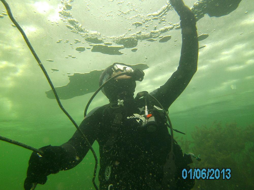 ice dive 037.JPG