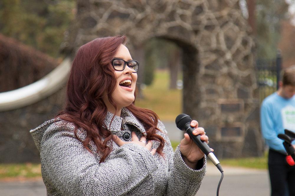 Singer, Jessica Sharpe, 1.jpg