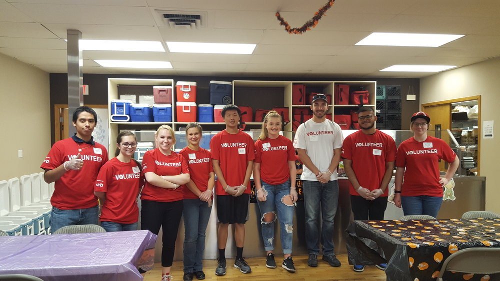EWU 'Eagle Up' Volunteers 1, 9-18-18.jpg