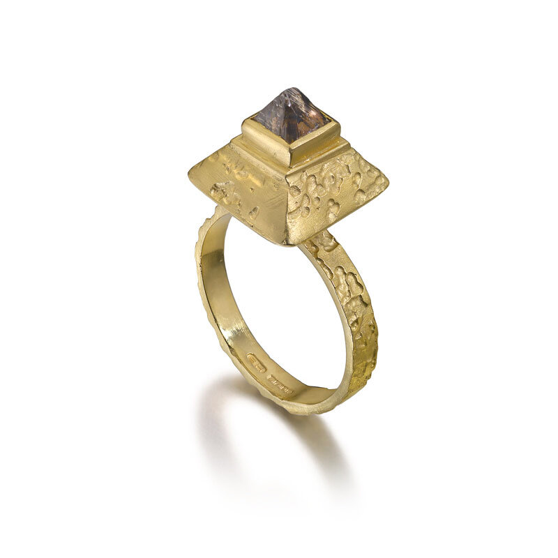 SH-Large-Gold-Pyramid-Ring-white.jpg