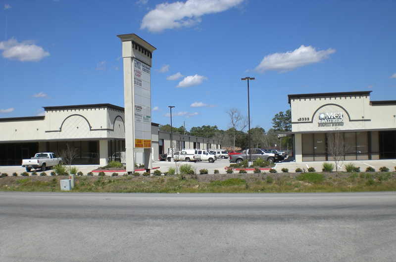 SPRING STUEBNER PLAZA - FOR LEASE