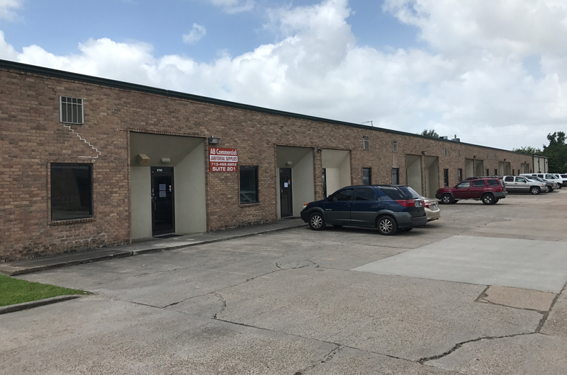 8700 LONG POINT INDUSTRIAL - FOR LEASE