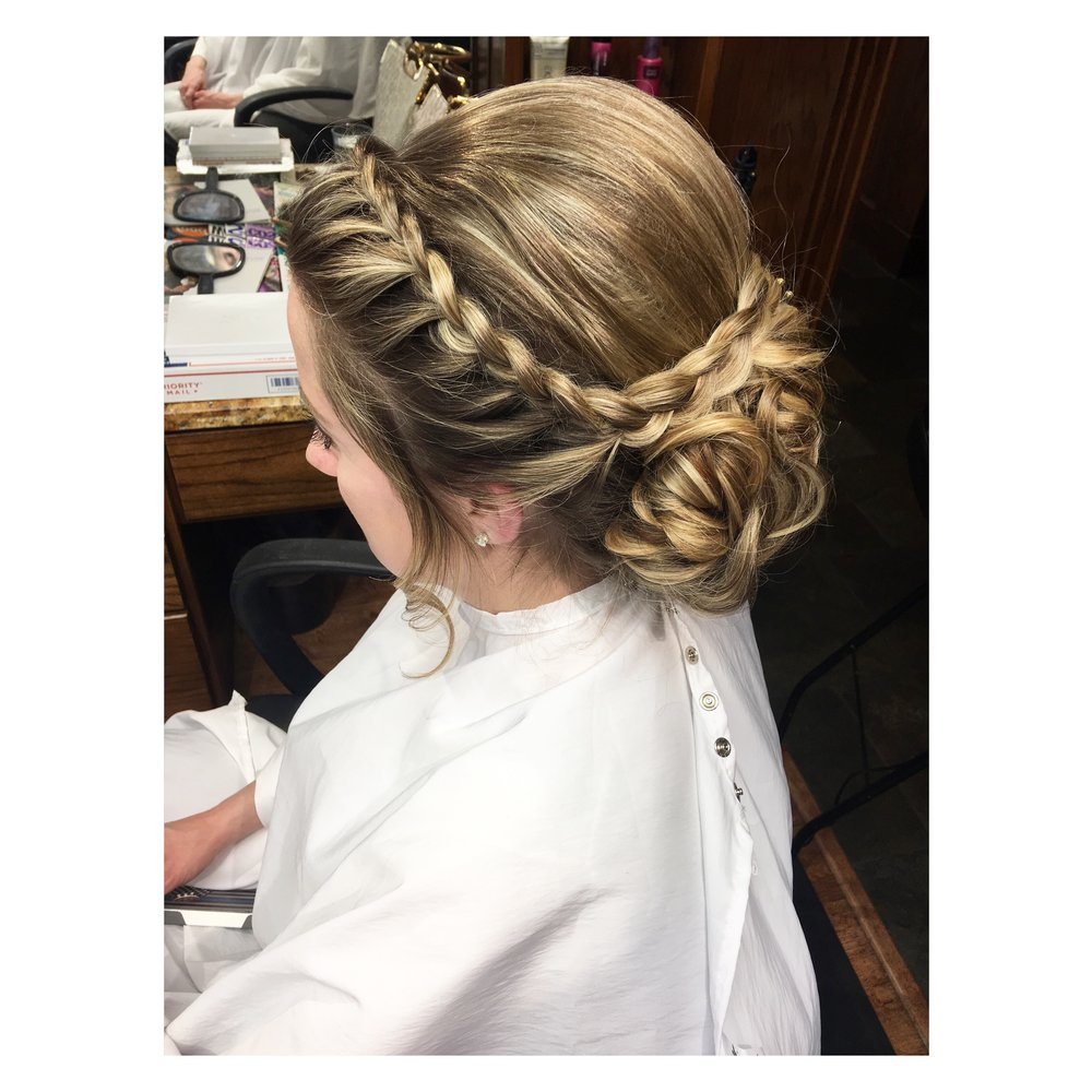 Denver-wedding-hairstylist-Colorado-wedding-hair-braiding-specialist