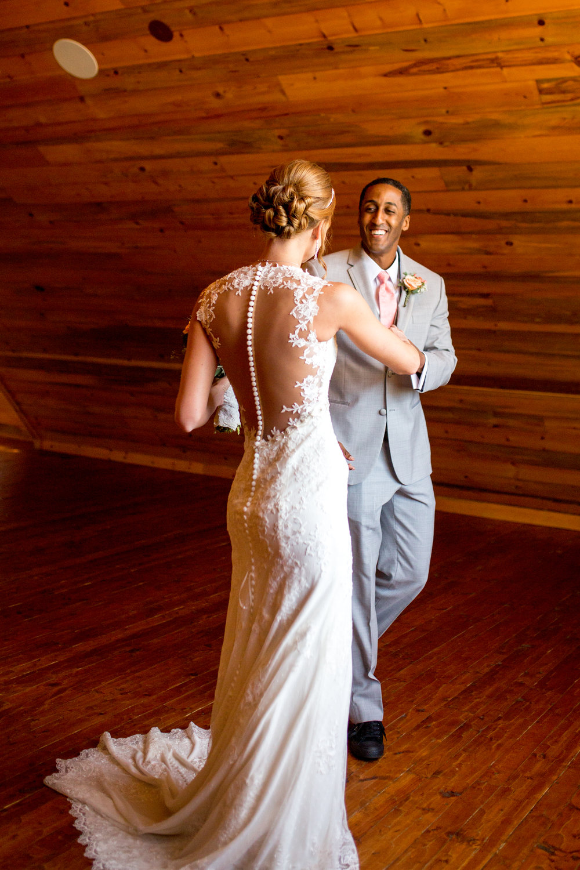 traveling-wedding-hairstylist-bride-wedding-hair