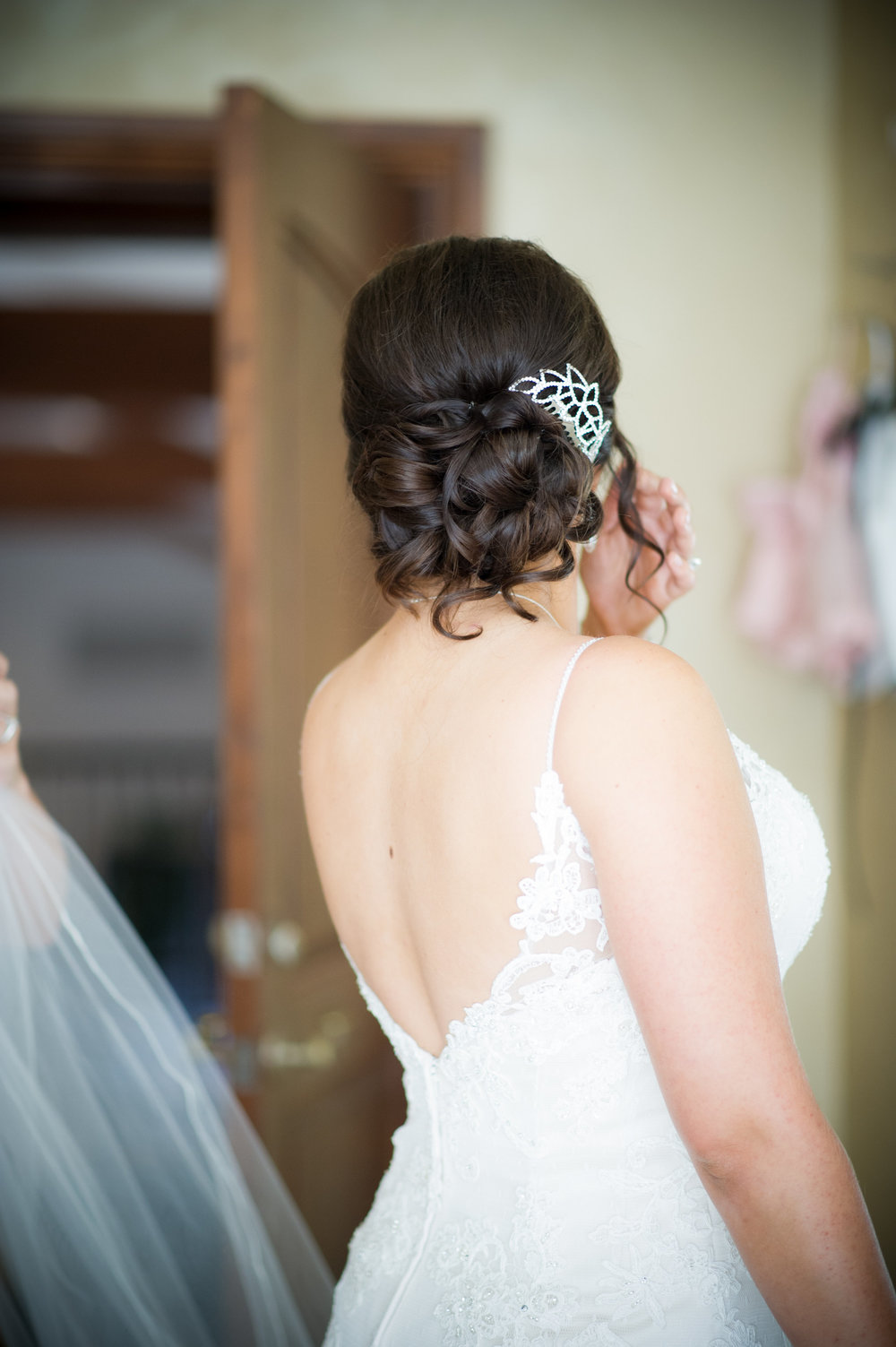 wedding-hairstylist-bride