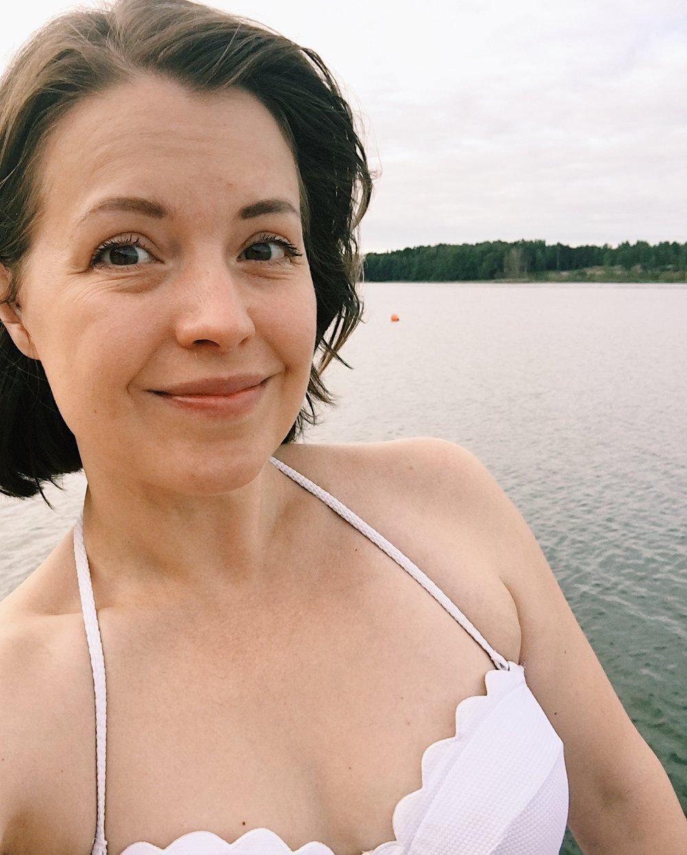Simma i svinkallt vatten en augustimåndag - stolleprov. Men skönt.