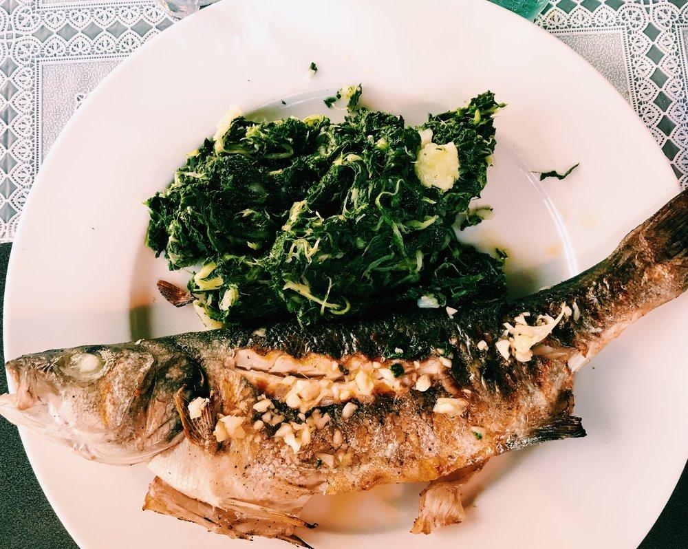 Grillad fisk och spenat. Jag är nyttigheten själv.