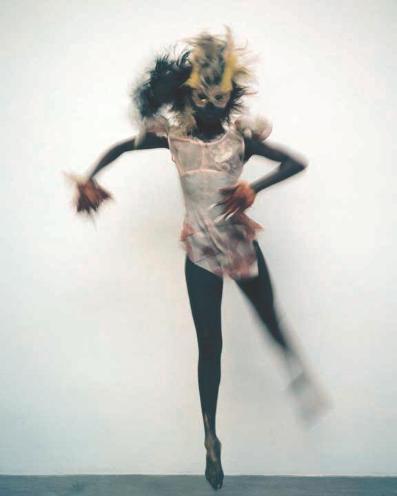 DANCER FRONT ON 1 LEG.jpg