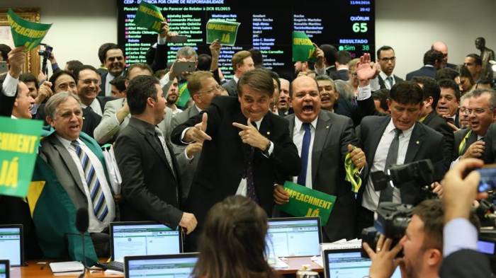 Bolsonaro's trigger fingers calling for Dilma's impeachment; Lula Marques (photographer),  PT Communication Agency , 2016.