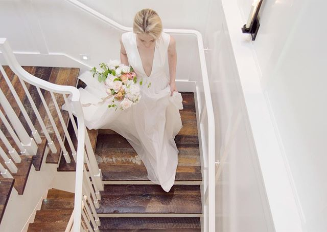 The wood, the staircase, the dress 💕...Just one of my favorite spontaneous shots of my bouquet. Love how romantic this photo turned out to be! 📷: @musefloral . .. . . . #luccafloralco #weddingdecor #weddingdesign #romanticwedding #fineartwedding #boutonniere #boutonnieres #oncewed #californiawedding #organicflorals #weddinginspiration #weddingbouquet #bridalbouquet #softandromantic #californiabride #californiaflorist #weddingcenterpiece #floralcenterpiece #floralcenterpieces #weddingphotography #fineartweddingphotography #darling #thehappynow #weddingfloraldesign #weddingflowers #silkribbon #silknapkins #gardenwedding #moderncalligraphy #botanicaldesign
